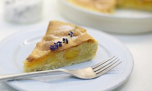 Абрикосовый пирог из манки
