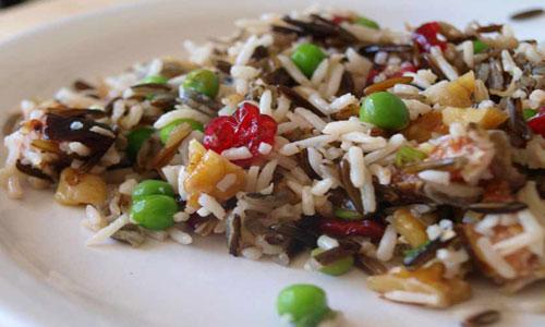 Салат с диким и пропаренным рисом
