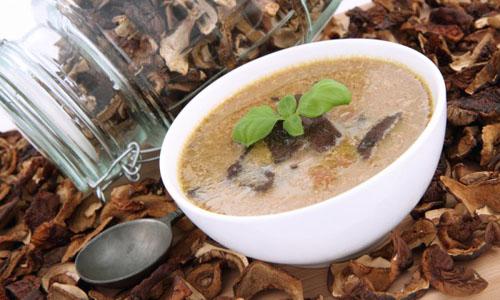 Суп с белыми грибами и рисовой вермишелью