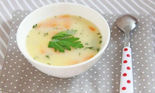 Куриный суп с овощами и кукурузной крупой